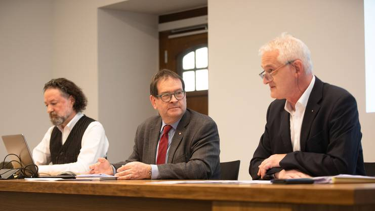 Sie präsentierten die Pläne für den Solothurner Gastauftritt an der Fête des Vignerons (v.l): Christoph Rölli (Kulturprogramm), Staatsschreiber Andreas Eng (OK-Präsident) und Kenneth Lützelschwab (Prolog/Festakt).