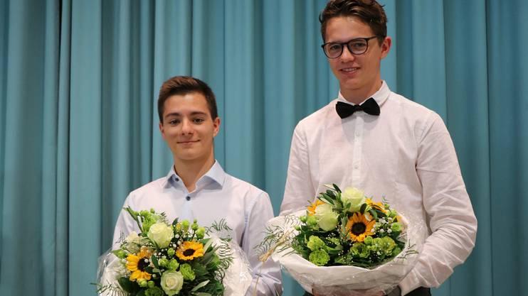 Preisträger W: Adrian Boss, 4aW links und Silvan Sgier, 4aW.