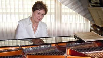 Die Pianistin Maria Luisa Cantos spielt hier auf einem Bösendorfer-Flügel.