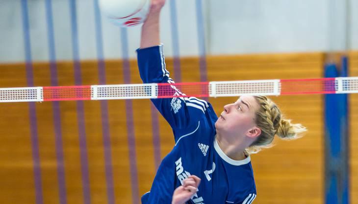 Jacqueline Fedier punktete im Angriff und gewann mit ihren Teamkolleginnen vom STV Oberentfelden-Amsteg die ersten zwei Partien der neuen Saison.