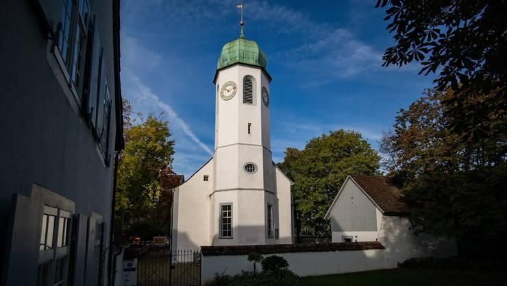 Die Pfarrerin der Dorfkirche Kleinhüningen soll sich wegen Anti-Islam-Predigten in ihrer Vergangenheit erklären, fordern Kirchenmitglieder.