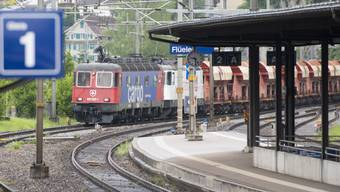 Der neue Gotthard-Basistunnel hält einem hohen und beständigen Verkehrsaufkommen stand, wie der Härtetest vom Donnerstag zeigte.