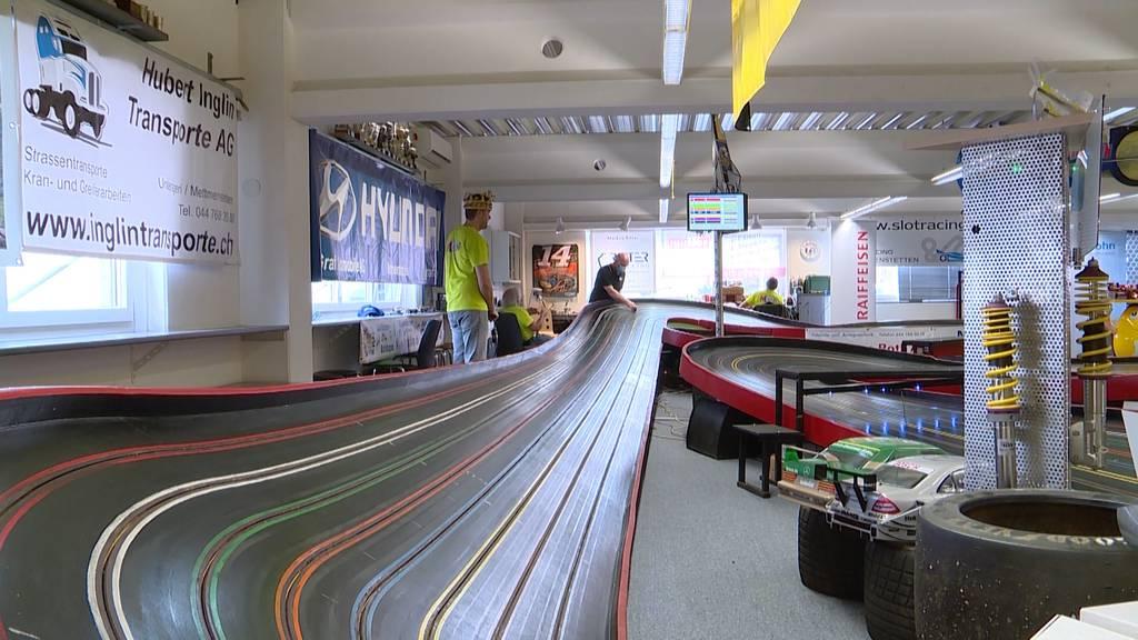 Weltrekord-Versuch in Mettmenstetten: Slotcar-Team will Distanz zum Mond zurücklegen