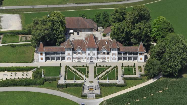 Schloss Waldegg ist Hugs Reich