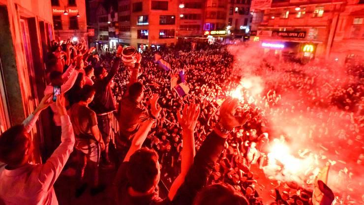 So feiern die Fans ihren FCB.