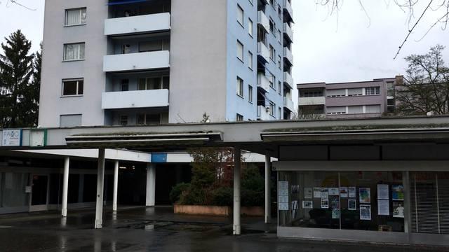 Spreitenbach: Ehepaar (77 und 55) und Kind (4) tot in Wohnung gefunden