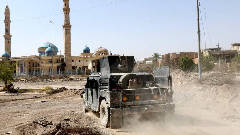Die irakischen Streitkräfte haben nach eigenen Angaben die gesamte Stadt Falludscha von der Terrormiliz Islamischer Staat (IS) zurückerobert.