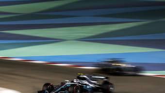 Valtteri Bottas fährt der Konkurrenz bei den Testfahrten in Bahrain davon