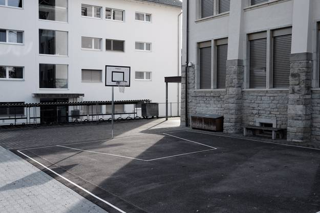 Pausenplatz der Schule Rupperswil: Die Kinder lebten viel mehr im Jetzt statt in der Vergangenheit, sagt der Schulleiter.