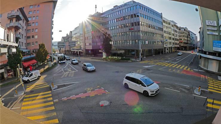 Vorerst gibt es auf der City-Kreuzung kein Kreisel, wie dies die Stadt nach der Eröffnung der Umfahrungsstrasse ERO beim Kanton angeregt hatte.