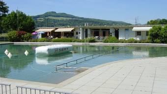 Der Gemeindevertrag über die Führung des Schwimmbads Schinznach ist unter Dach und Fach.