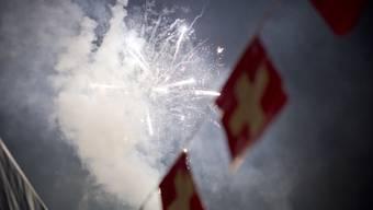 In der Einsatzleitzentrale der Polizei Basel-Landschaft gingen rund zwei Dutzend Anrufe ein wegen Lärmbelästigungen durch Feuerwerk.