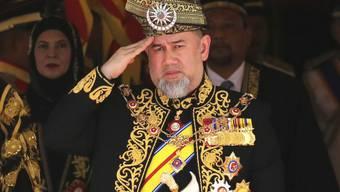 Der König von Malaysia, Sultan Muhammad V., hat abgedankt. Zuvor hatte es wochenlange Spekulationen über die Zukunft des Königs gegeben, da er angesichts von Gerüchten über eine Heirat mit einer russischen Ex-Schönheitskönigin sein Amt ruhen liess. (Archivbild)
