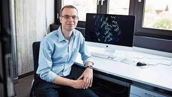 Martin Jinek, der «Vater der Genschere»,  in seinem Büro in Zürich.