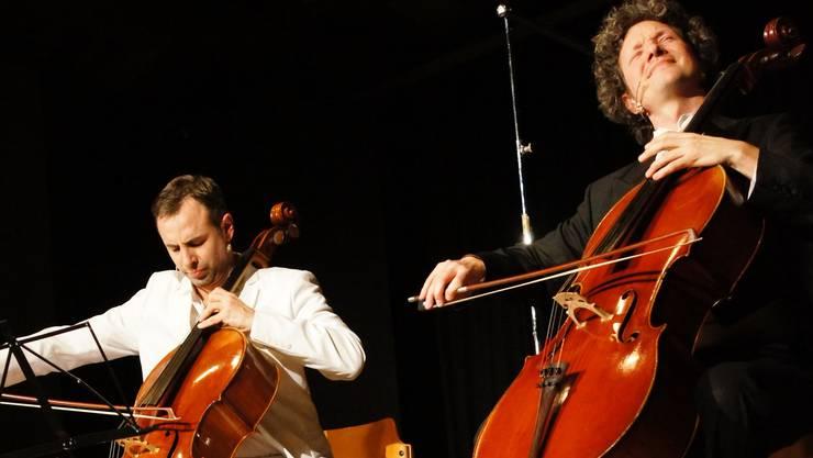 CelloLite, da streiten sich zwei um einen der raren Plätze in einem Orchester