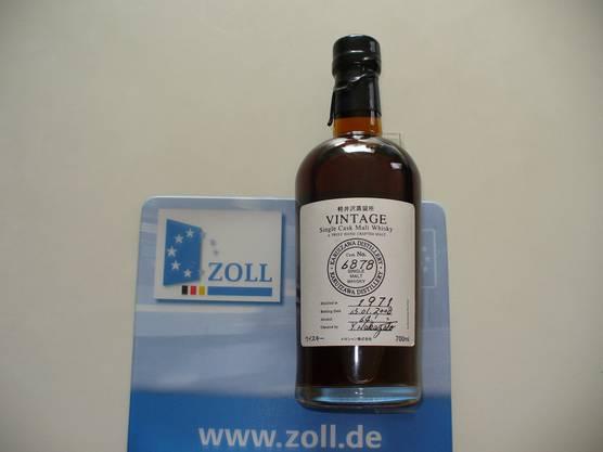 Kostbarer Whisky: Solchen wollte ein Mann über die deutsch-schweizerische Grenze schmuggeln.