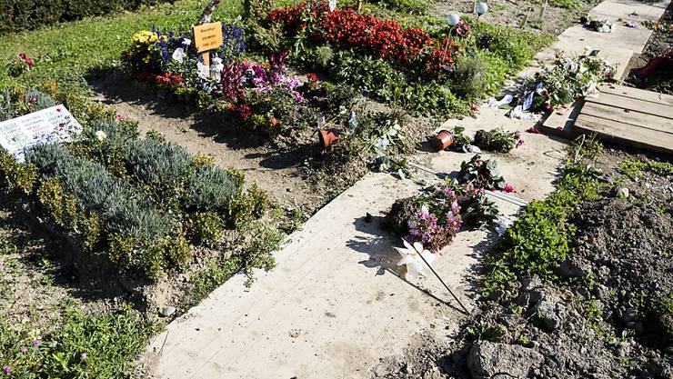 Im Oktober 2017 wurden auf einem Friedhof in Lausanne rund 15 muslimische Grabfelder geschändet. (Archivbild).