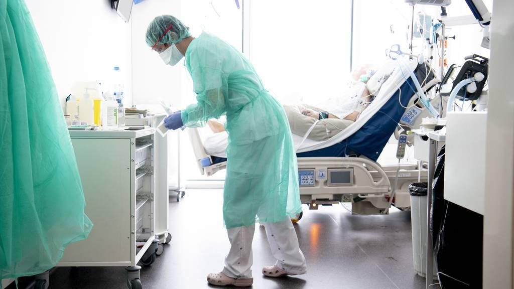 Nicht nur Applaus: Pflegepersonal will bessere Arbeitsbedingungen