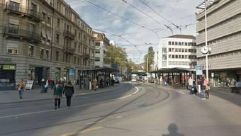 Am Löwenplatz wurde der Dieb aus einem Tram gestossen und ergriff daraufhin erneut die Flucht.