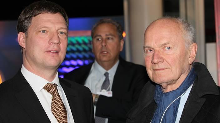 Conrad Meier (links) empfängt Ferdinand Piëch, Vorsitzender des Aufsichtsrates der Volkswagen AG