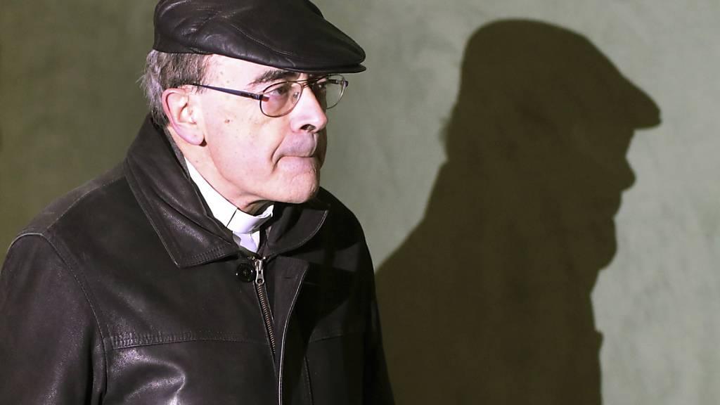 Das Berufungsgericht von Lyon hat Kardinal Philippe Barbarin freigesprochen. In erster Instanz war der frühere Erzbischof von Lyon wegen Vertuschung von Kindesmissbrauch in der katholischen Kirche Frankreichs zu sechs Monaten Haft auf Bewährung verurteilt worden. (Archivbild)