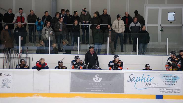 Trainer Hüni (Mitte): «Wir haben die Zuschauer unterhalten.»biermayr