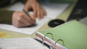Elektronische Baugesuche sollen Papierdokumente ersetzen. Der Kanton hat nun Bilanz gezogen. (Symbolbild)