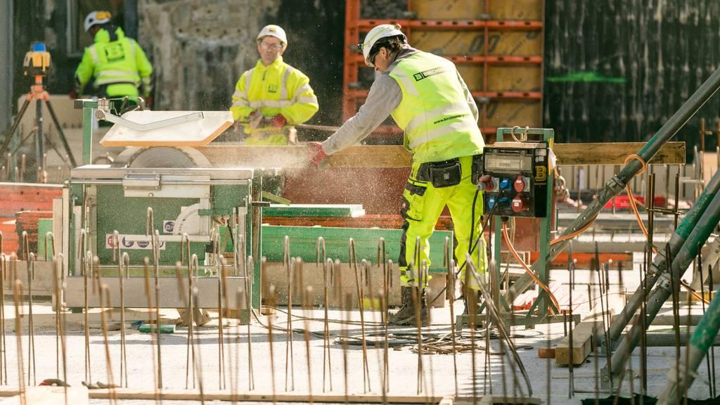 Coronakrise bringt Bauarbeiter zusätzlich ins Schwitzen