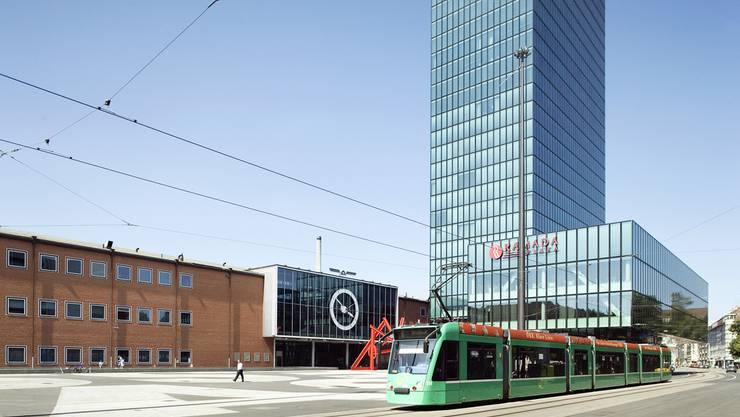 «Basel ist eine Messestadt und deshalb auch international ausgerichtet», sagt Dagmar Jenny, Mediensprecherin der BVB. Das kostelose W-Lan in Tram und Bus soll auch den auswärtigen Besuchern zugute kommen.