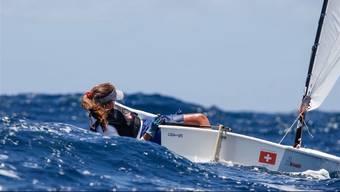 Natascha Rast aus Dürrenäsch schreibt Geschichte. Als erste Schweizer Jung-Seglerin überhaupt holte die 14-Jährige eine EM-Silbermedaille.