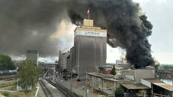Brand am Basler Rheinhafen