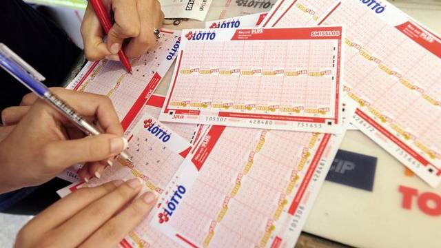 Lottospielen wird teurer (Symbolbild)