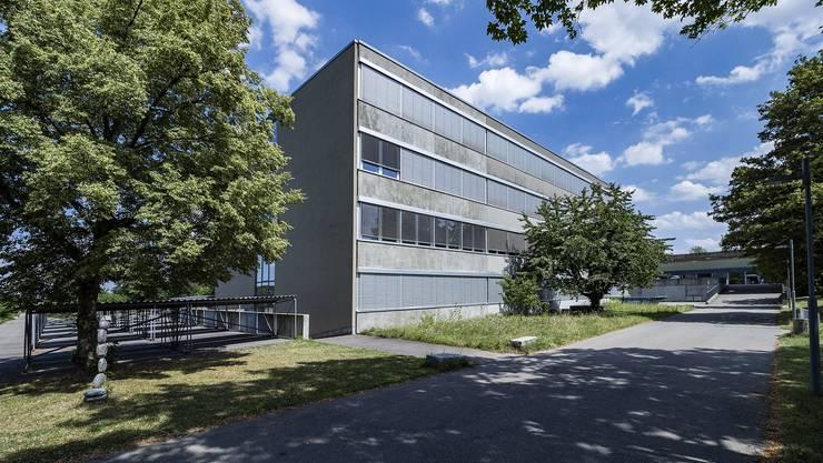 Das Gymnasium in Oberwil. (Archiv)