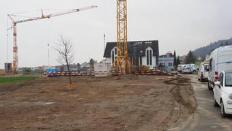 Auf dem Areal im Vordergrund wollte die IMP Bautest AG während der Bauphase temporäre Parkplätze für die Firmenfahrzeuge bauen.
