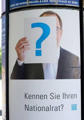 Seit mehreren Wochen hängen solche Teaser-Plakate in der Stadt und sollen Aufmerksamkeit erwecken.
