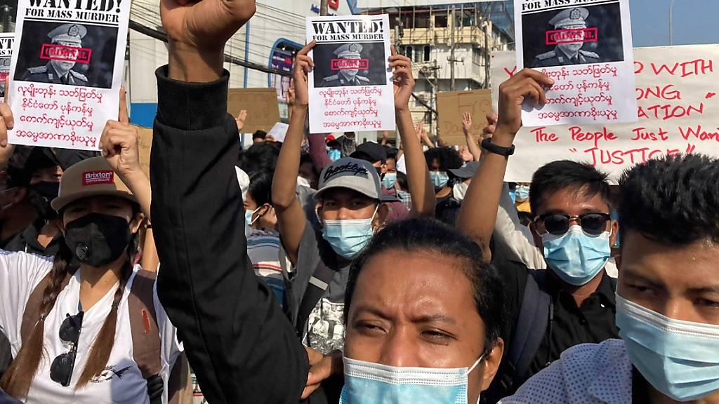 Myanmars Aktivisten rufen zum Generalstreik auf