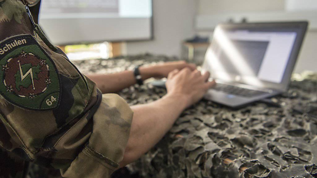 18 Rekruten absolvieren seit Anfang August den ersten Cyber-Lehrgang der Armee.