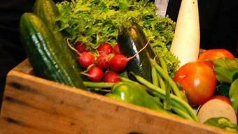 Eine Kiste mit Gemüse (Archiv)