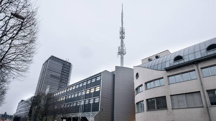 Swisscom, hier der Sitz an der Basler Grosspeterstrasse, schraubt für das «neue Bedürfnis der Kunden» die Sendestärke hoch.Kenneth Nars