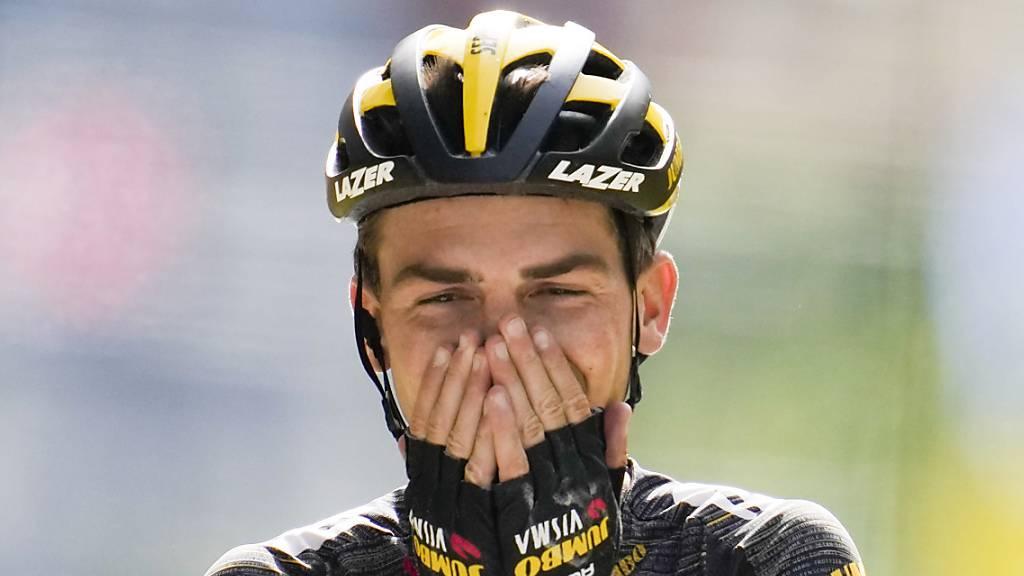 Sepp Kuss kann es nicht fassen: Er düpiert auf der schwierigsten Etappe der Tour de France die Konkurrenz und holt seinen grössten Sieg