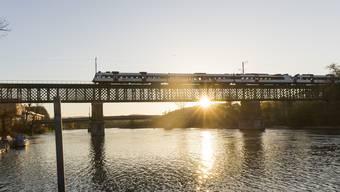 Die Eisenbahnbrücke zwischen Koblenz und Waldshut. (Archivbild)