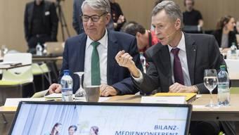Verwaltungsratspräsident Urs Schwaller und CEO Ulrich Hurni vor dem Medienkonferenz.