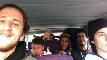 Per Selfie grüsst Donat seine Unterstützer – er tourt gerade mit seiner Band One Sentence. Supervisor durch Deutschland.