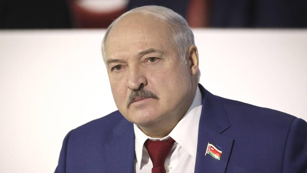 Alexander Lukaschenko, Langzeitmachthaber von Belarus, nimmt an der belarussischen Volksversammlung teil. Foto: Maxim Guchek/POOL BelTa/AP/dpa
