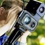 Mit einem mobilen Lasermessgerät kontrollierte die Aargauer Kantonspolizei an mehreren Orten im Freiamt. (Symbolbild)