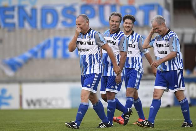 Die Mannschaft des FC Wettingen von 1989, welche im Europacup gegen die SSC Napoli spielte, traf sich 25 Jahre später zu einem Legendenspiel in der Altenburg. (Martin Rueda zweiter von links)
