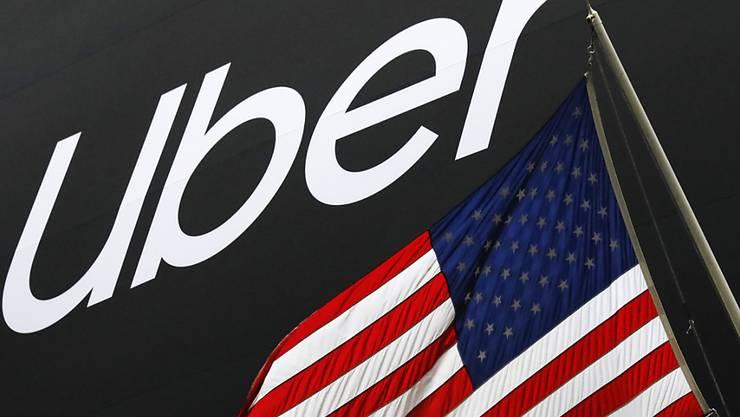 Der Todesfall einer Frau bei einem Unfall mit einem selbstfahrenden Uber-Auto in den USA ging auf Software-Fehler am Fahrzeug zurück. (Symbolbild)