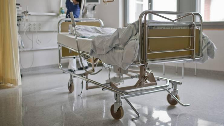In einem ersten Schritt sollen dringliche und politisch unbestrittene Themen im Rahmen einer Teilrevision des Spitalgesetzes per 2021 umgesetzt werden
