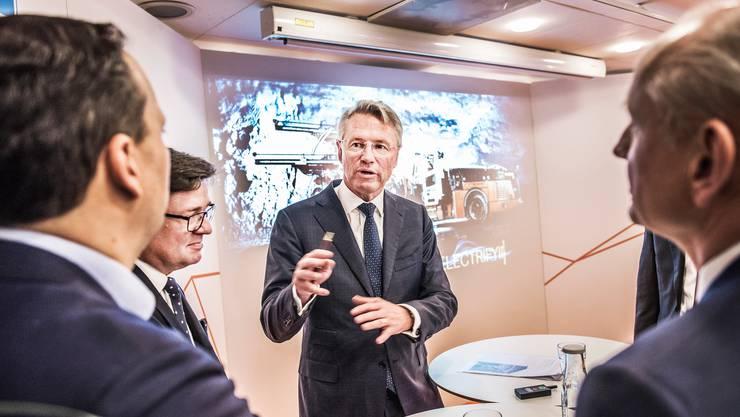 Inzwischen wisse man viel mehr darüber, wie man die Krise als Unternehmen bewältigen könne, sagte ABB-Chef Björn Rosengren an der Telefonkonferenz über das dritte Quartal.