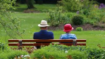 Demenzerkrankungen treffen nicht nur ältere Menschen, sondern auch jüngere, die noch berufstätig sind. (Symbolbild)